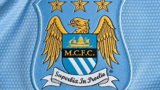 Nike Manchester City 13-14 Home Kit emblem