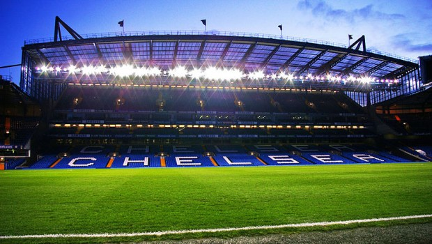 800px-Stamford_Bridge_-_West_Stand