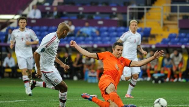 NED-DEN_Euro_2012_(21)
