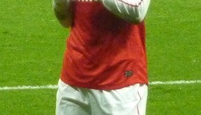 Thierry_Henry_applauding_2012