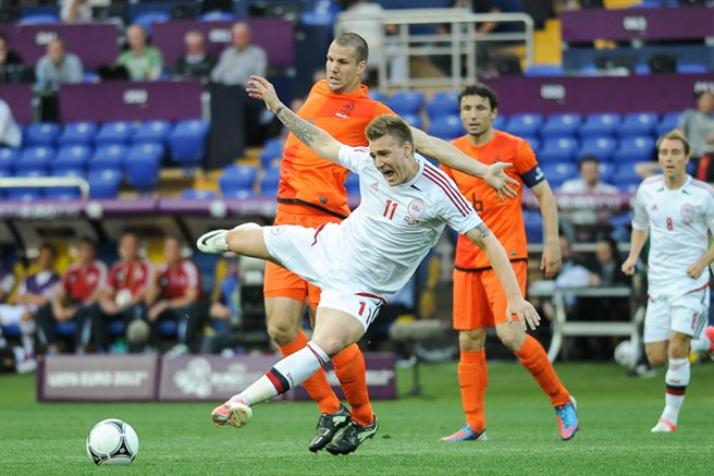 NED-DEN_Euro_2012_(08)