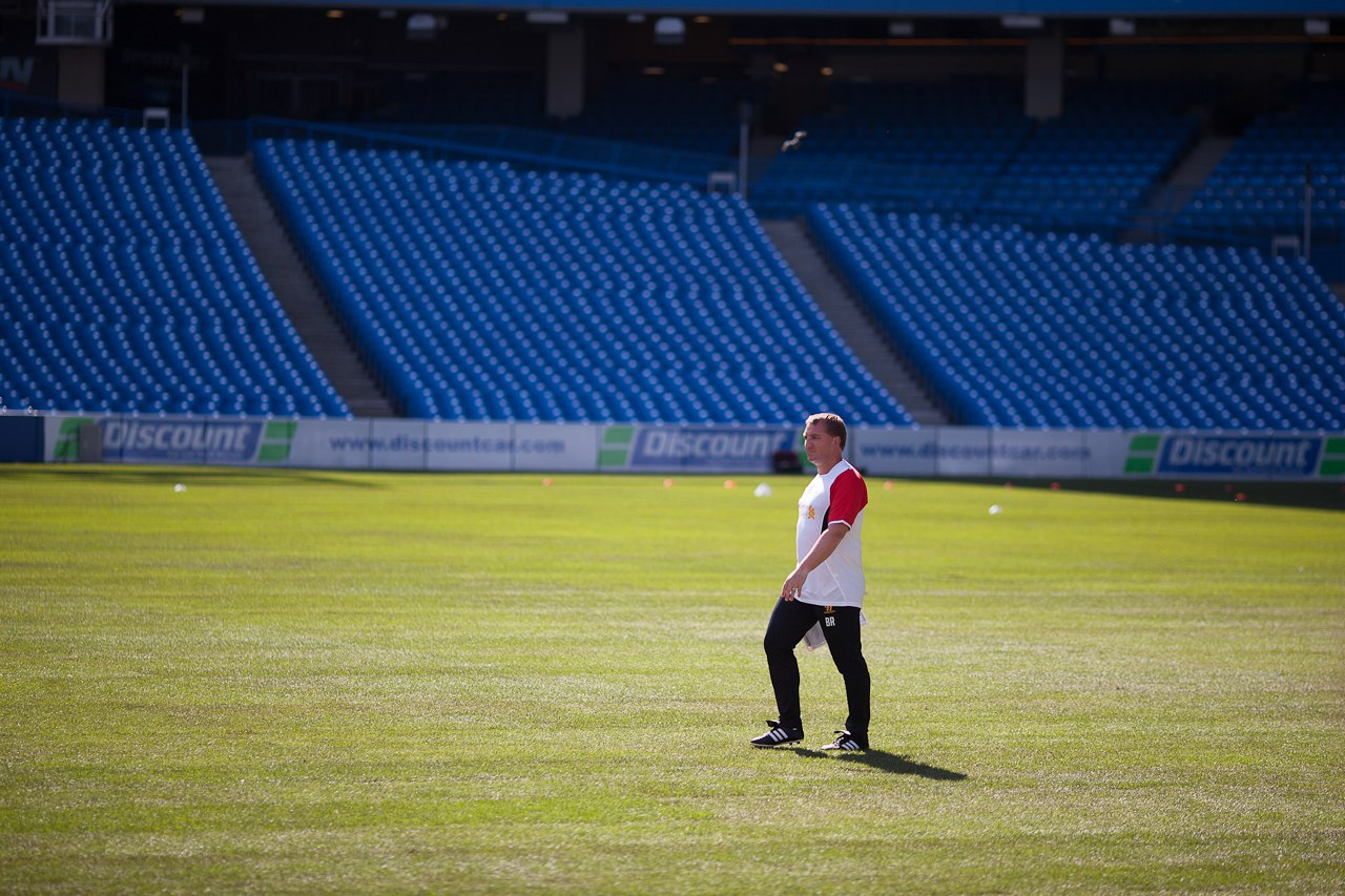 Brendan_Rodgers_at_Liverpool's_training_in_Toronto_(2)
